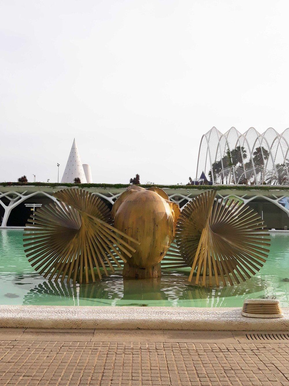 The Diadem scultpture by Manolo Valdés Science Museum Valencia ©Detail Movement