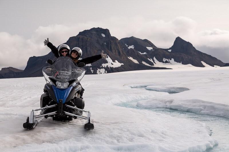 Buggy-snowmobiling-3.jpg
