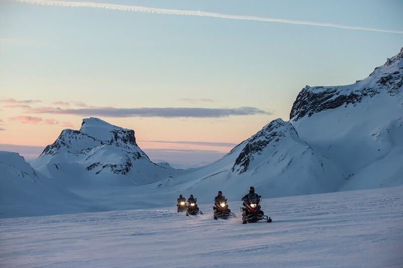 Buggy-snowmobiling-6.jpg