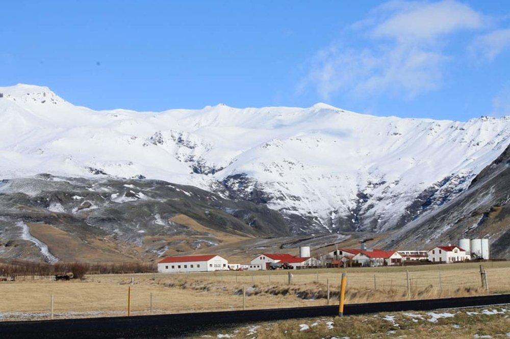 south-coast-and-eyjafjallajokull-volcano_16_Easy-Resize.com.jpg