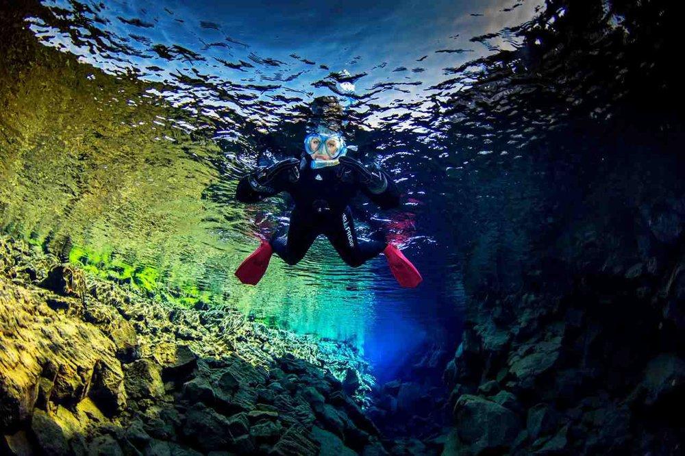 scuba_iceland_silfra_diving_22-1600x1066_Easy-Resize.com.jpg