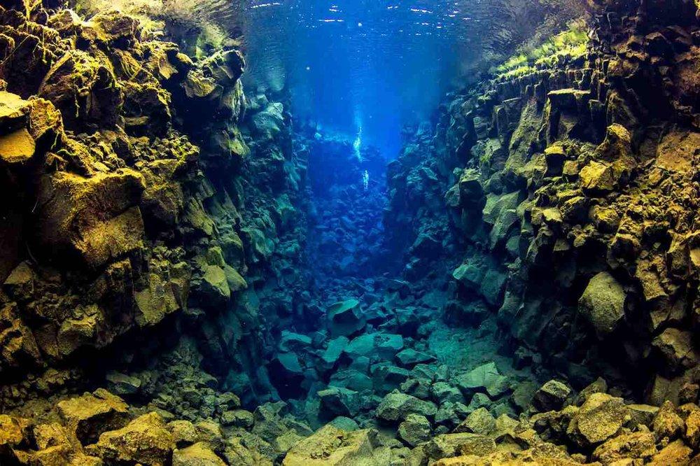 scuba_iceland_silfra_diving_19-1-1600x1066_Easy-Resize.com.jpg
