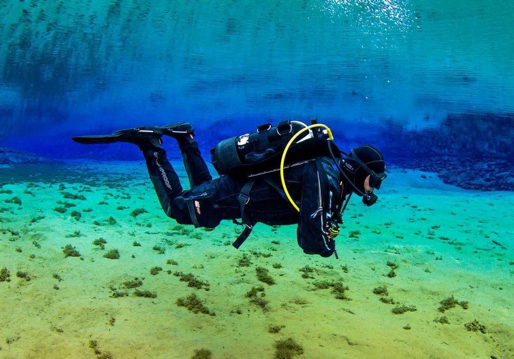 scuba_iceland_silfra_diving_17-1600x1119_Easy-Resize.com.jpg