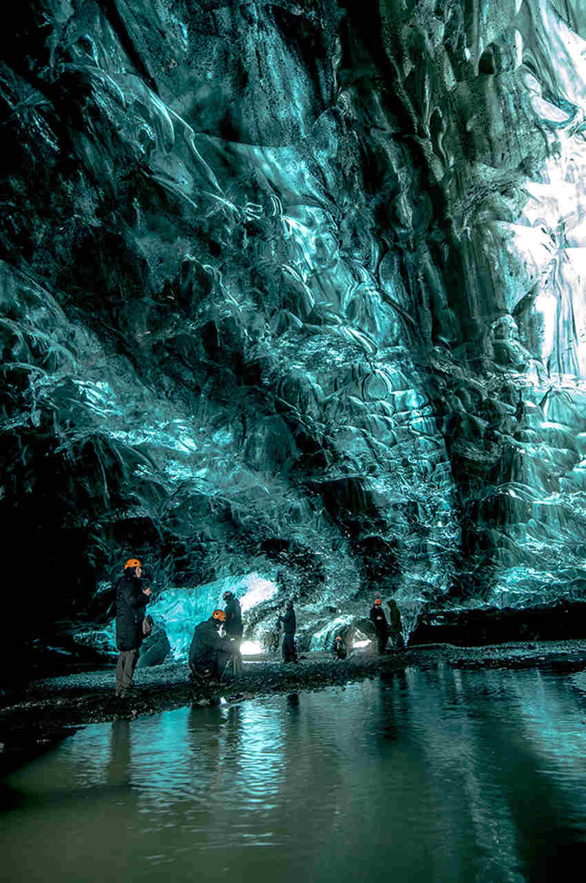 ice-caving-day-tour-2_Easy-Resize.com.jpg