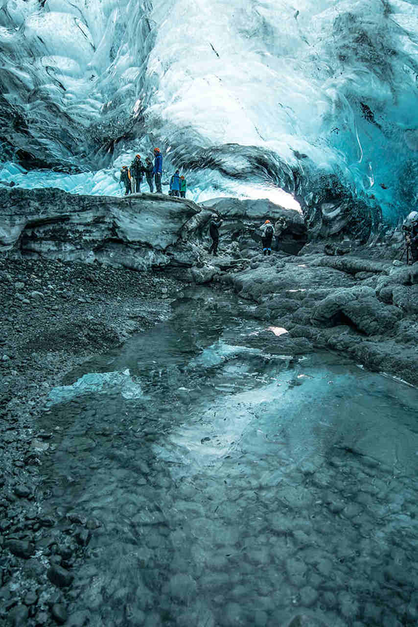 ice-caving-day-tour-4_Easy-Resize.com.jpg