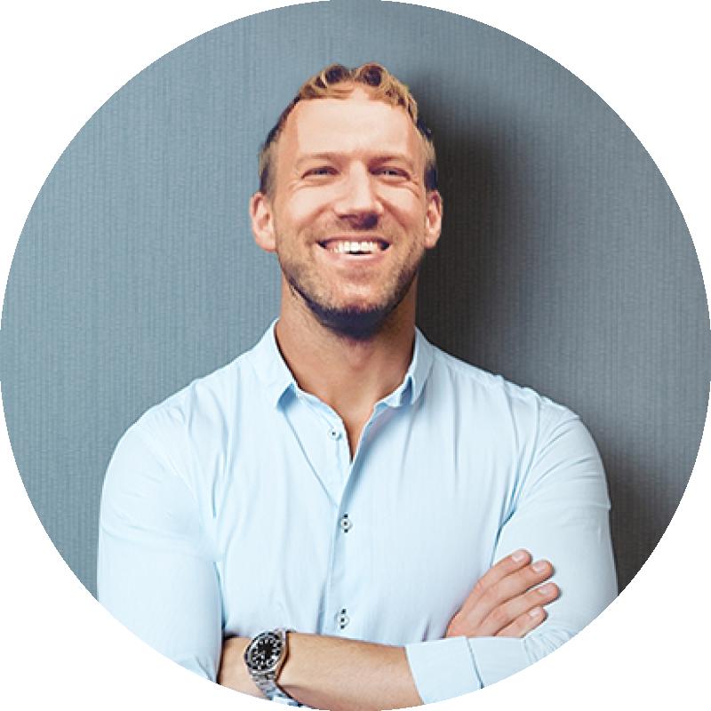 Scott Robson is a entrepreneur coach and a branding coach