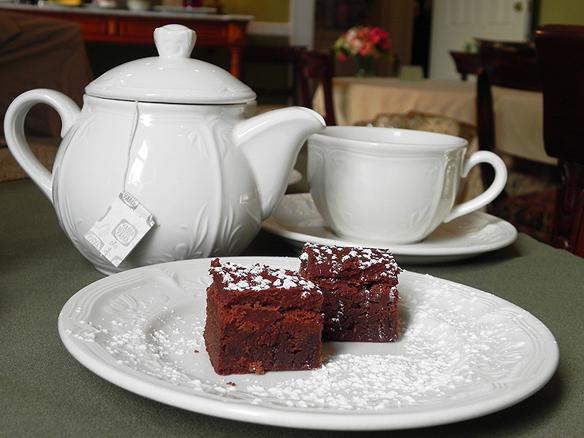 Brownies Inn on Negley