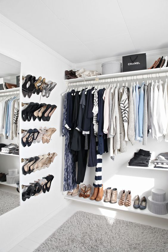 closet-walkin2.jpg