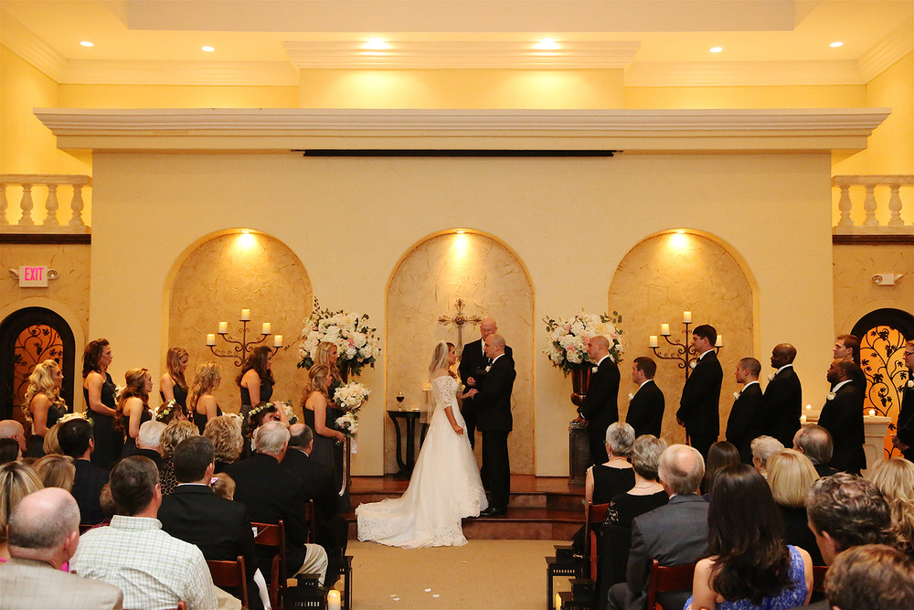 villa_ceremony_indoor.jpg
