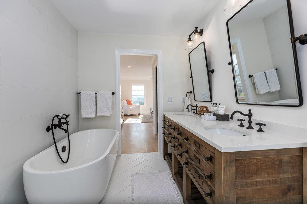 024_Master Bath.jpg