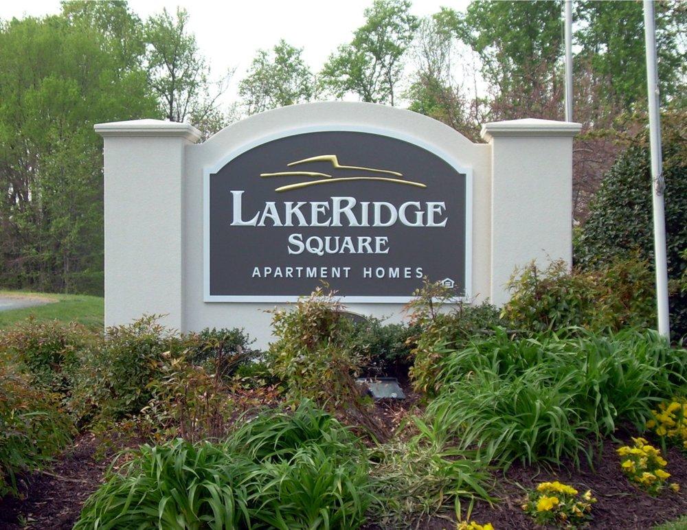Lake Ridge Square.jpg
