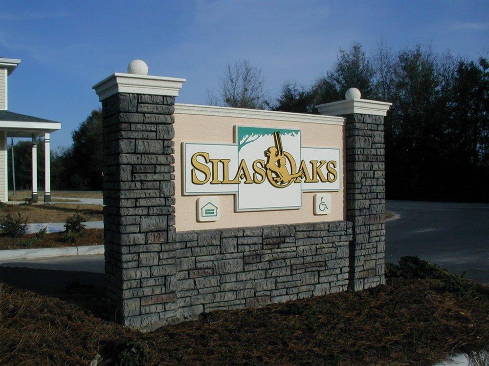 Sauls Signs Silasmon.jpg