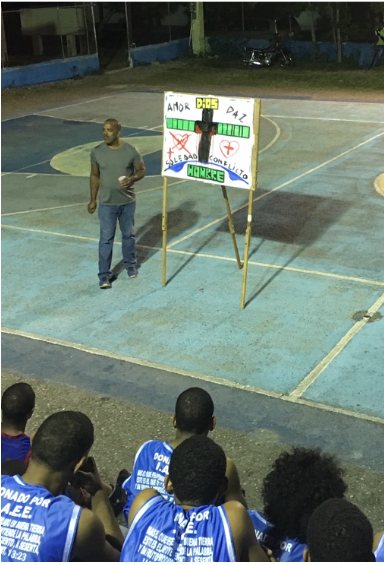 Sports outreach in Coral de Sur. 25 teenagers gave their lives to Christ following a basketball game.