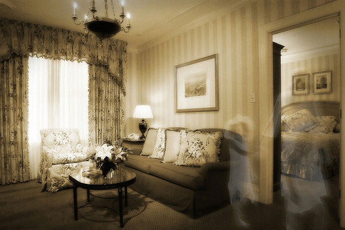 Hotel-Monteleone-ghost1.jpg