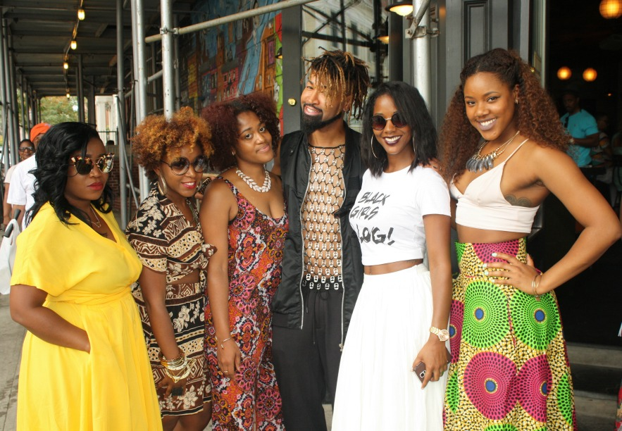 Pictured from left to right:  Talibah Stewart (@alwayzpretti), Marsha Badger (@marshbarscloset), Tysha (@styledtoatea), Ty Hunter (Beyonce's Stylist!! @tytyrone), me, Kindra Mone (@kindramone).
