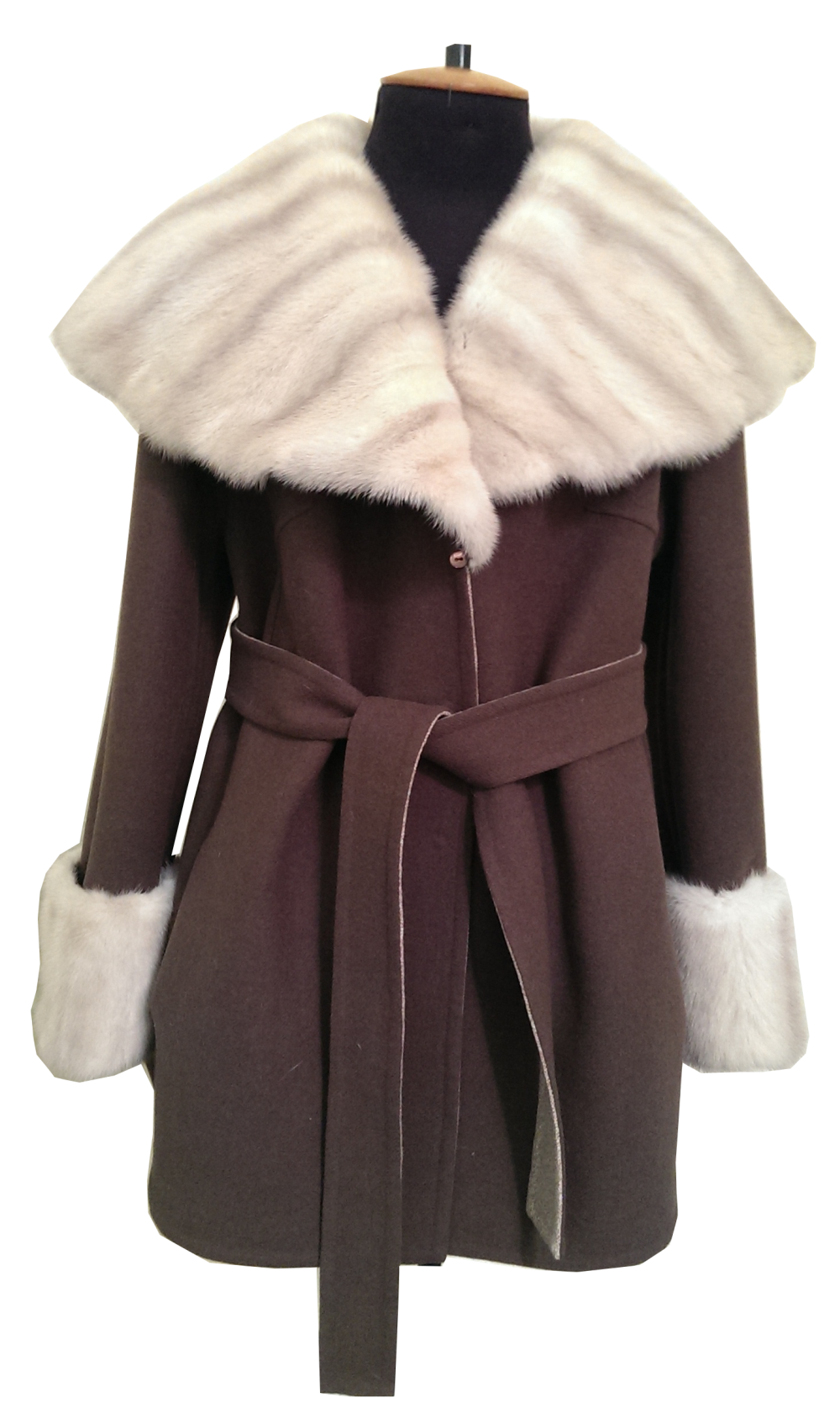 reversible_doublesided_wool_coat_with_oversized_mink_collar_and_mink_cuffs_remodeling_restyling_1000x1681