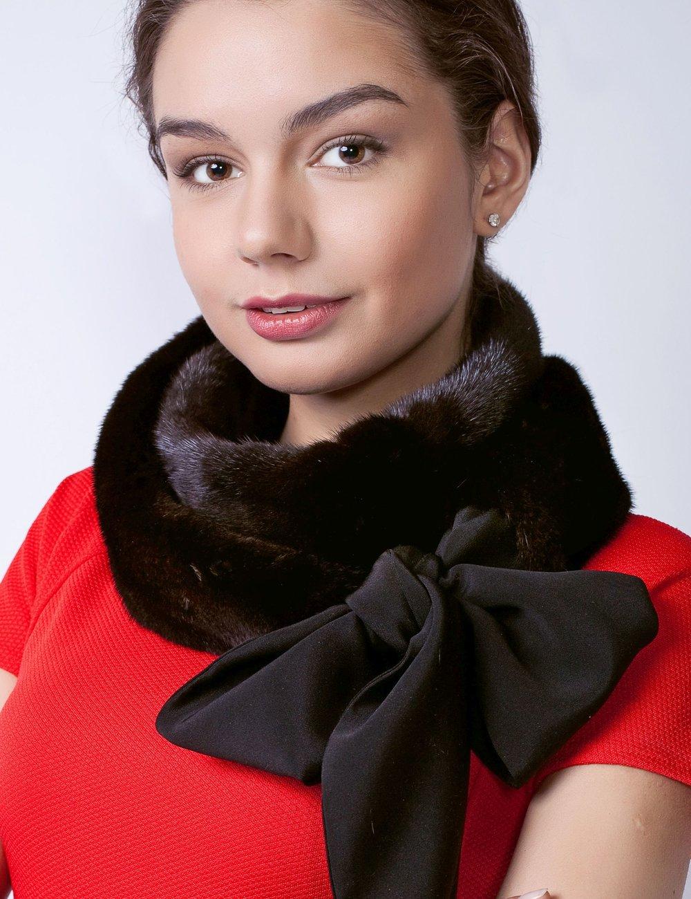 black_mink_fur_scarf_royal_fur_club_real_mink_fur_scarf_2500x3249