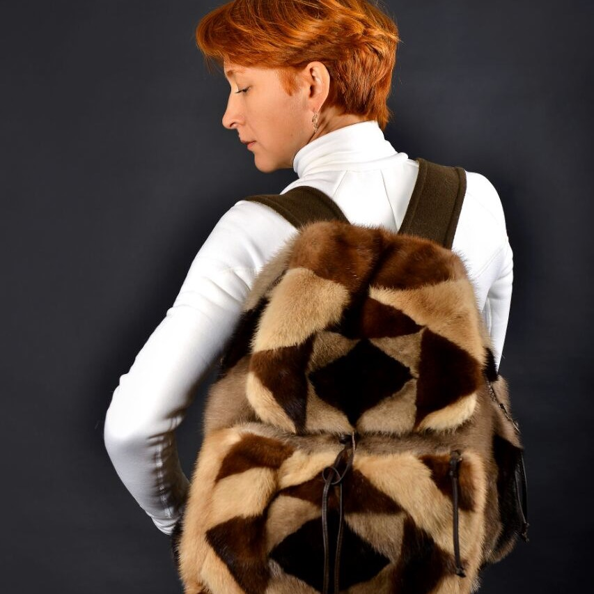 mink_fur_backpack.jpg