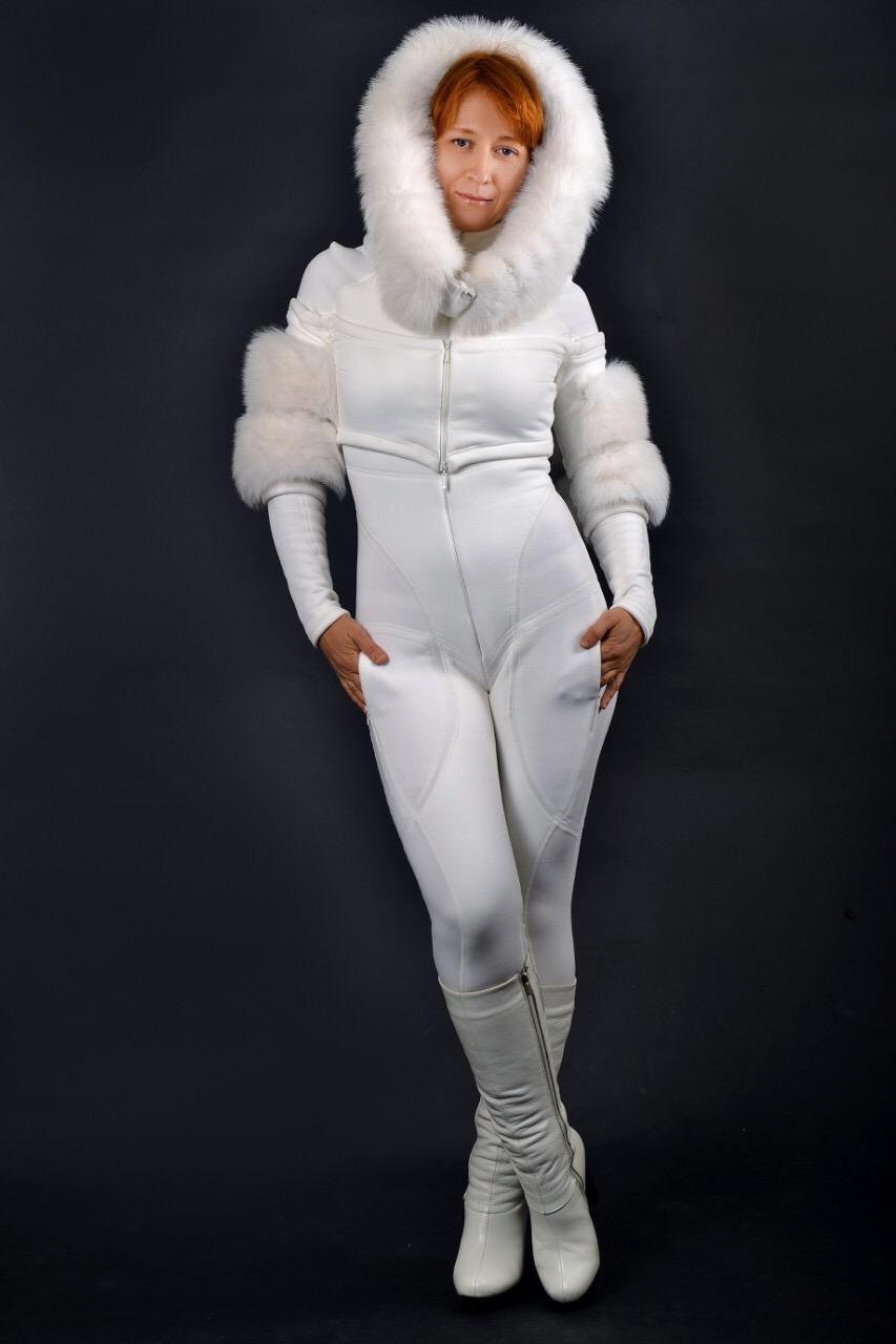 white_snowsuit_natural _fox_fur_royalfurclub.JPG