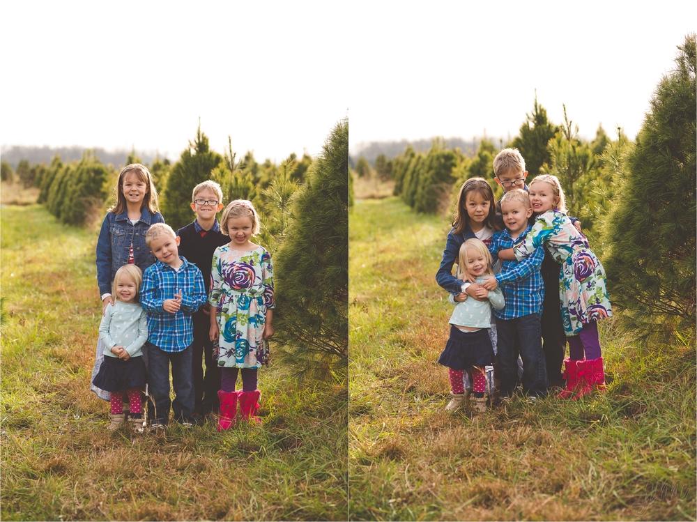 christmas-tree-farm-session-pnw-jannicka-mayte_0006.jpg