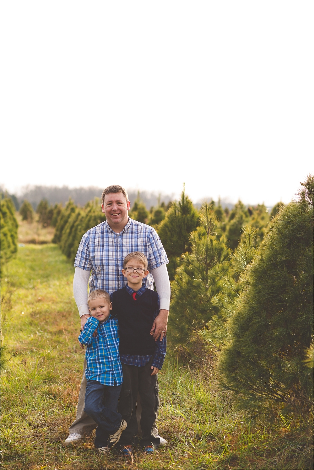christmas-tree-farm-session-pnw-jannicka-mayte_0013.jpg