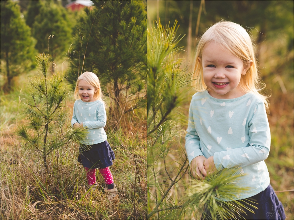 christmas-tree-farm-session-pnw-jannicka-mayte_0024.jpg