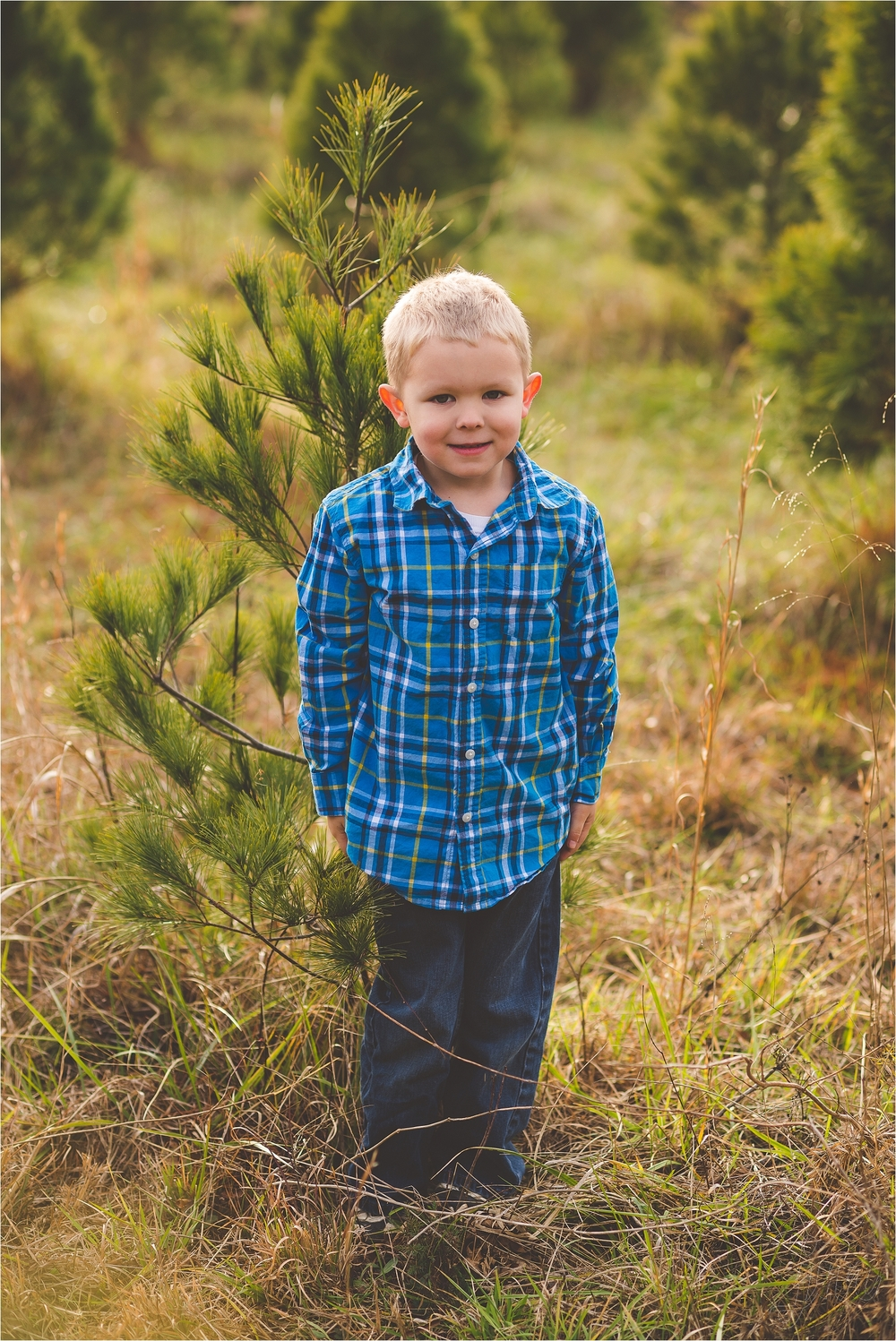 christmas-tree-farm-session-pnw-jannicka-mayte_0026.jpg