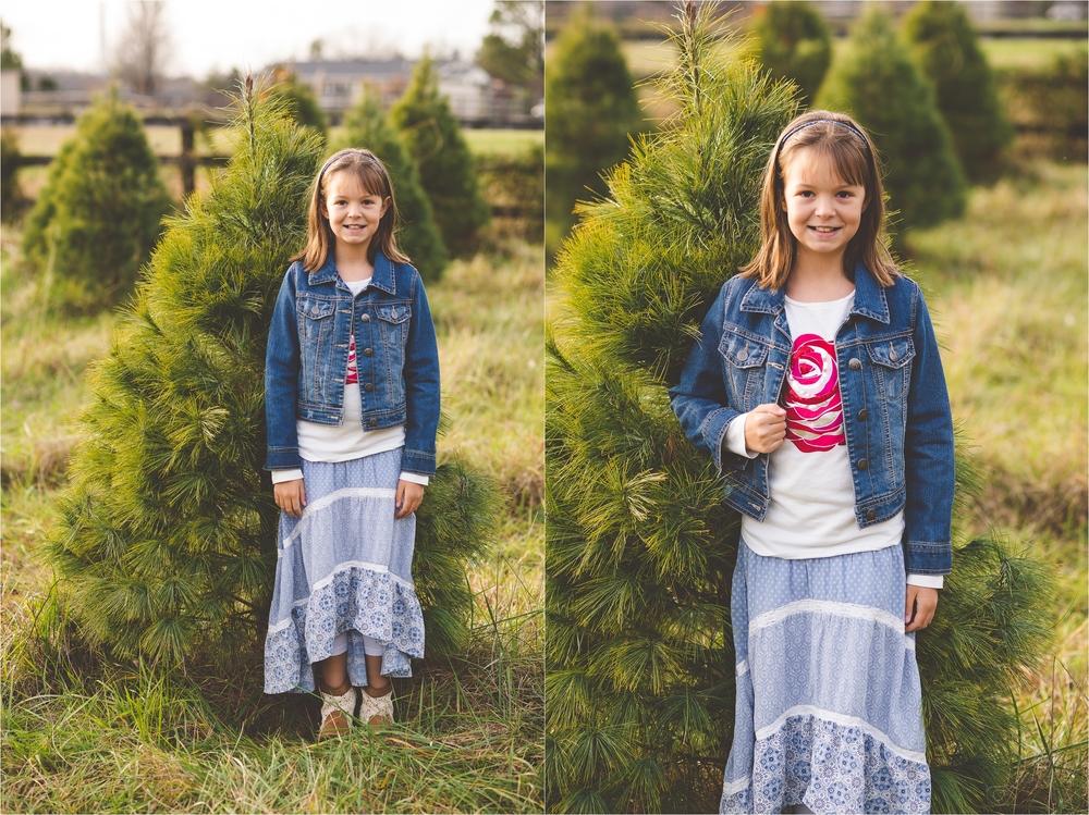 christmas-tree-farm-session-pnw-jannicka-mayte_0029.jpg