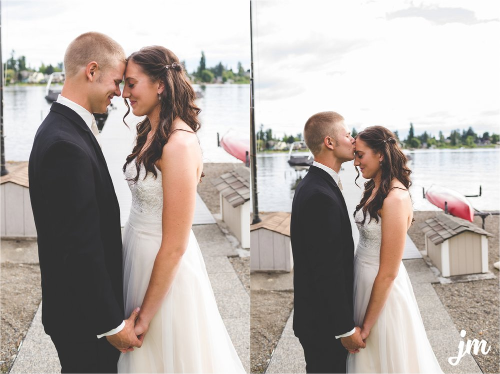 jannicka-mayte-intimate-backyard-lake-wedding-kent-wa-pacific-northwest-wedding-photographer_0013.jpg
