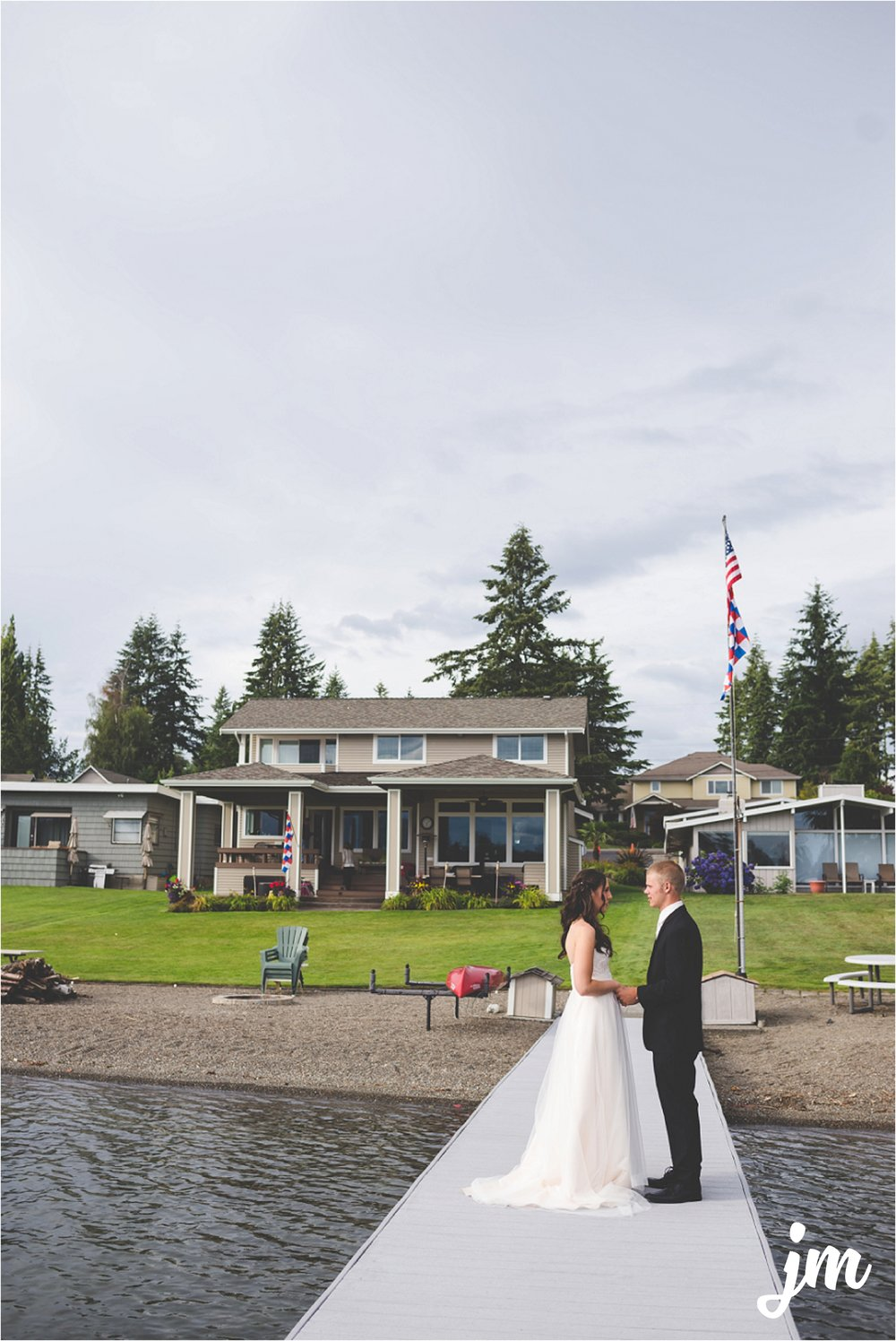 jannicka-mayte-intimate-backyard-lake-wedding-kent-wa-pacific-northwest-wedding-photographer_0025.jpg