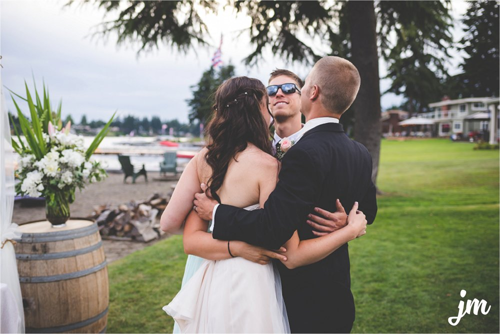 jannicka-mayte-intimate-backyard-lake-wedding-kent-wa-pacific-northwest-wedding-photographer_0053.jpg