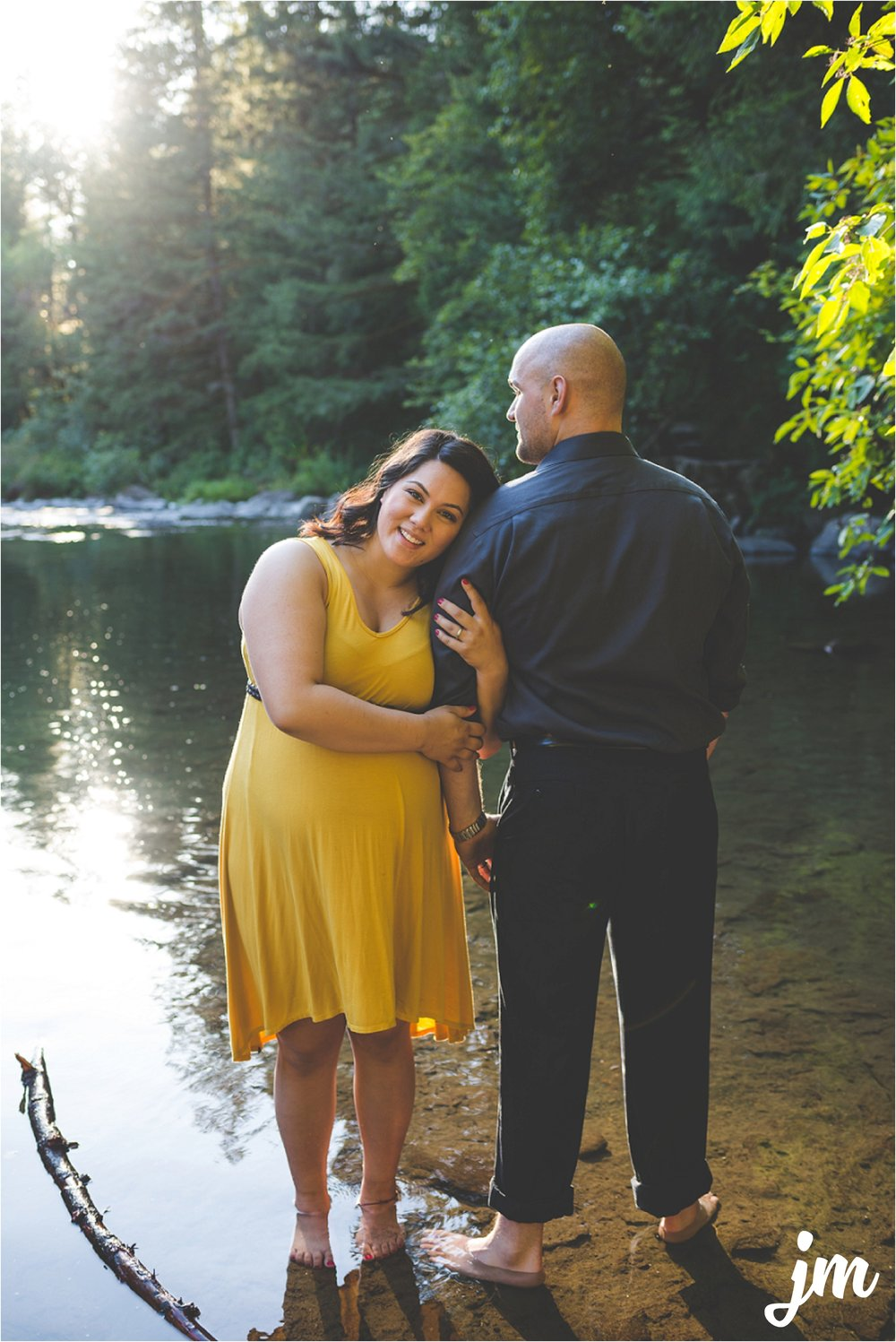 jannicka-mayte-moulton-falls-park-maternity-session-pacific-northwest-lifestyle-photographer_0019.jpg