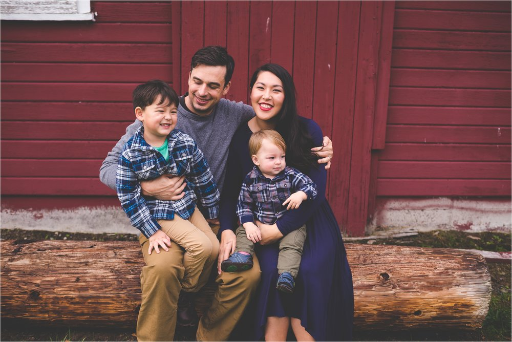 fort-steilacoom-park-family-session-jannicka-mayte-pacific-northwest-lifestyle-photographer_0018.jpg