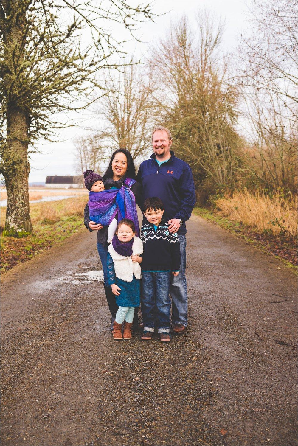 nisqually-wildlife-refuge-family-session-jannicka-mayte-olympia-wa-family-photographer_0002.jpg