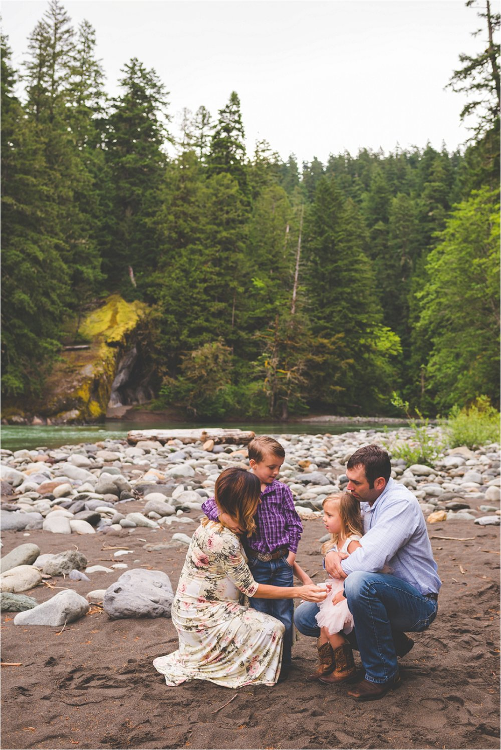 mount-rainier-family-session-jannicka-mayte-anchorage-alaska-seattle-washington-family-photographer_0014.jpg