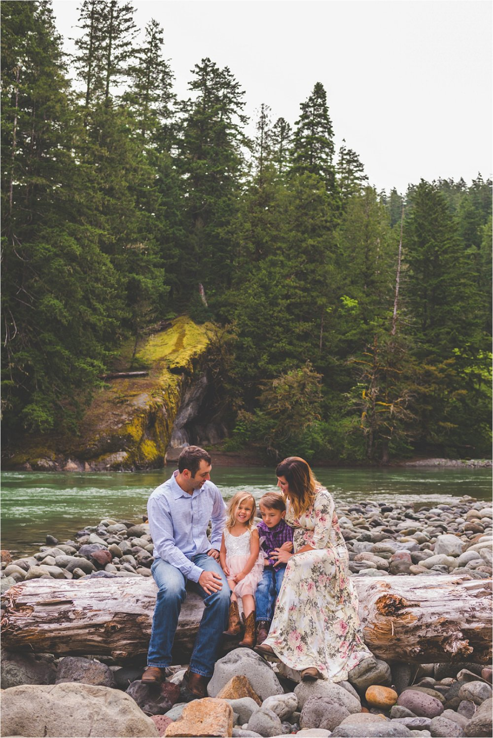 mount-rainier-family-session-jannicka-mayte-anchorage-alaska-seattle-washington-family-photographer_0023.jpg