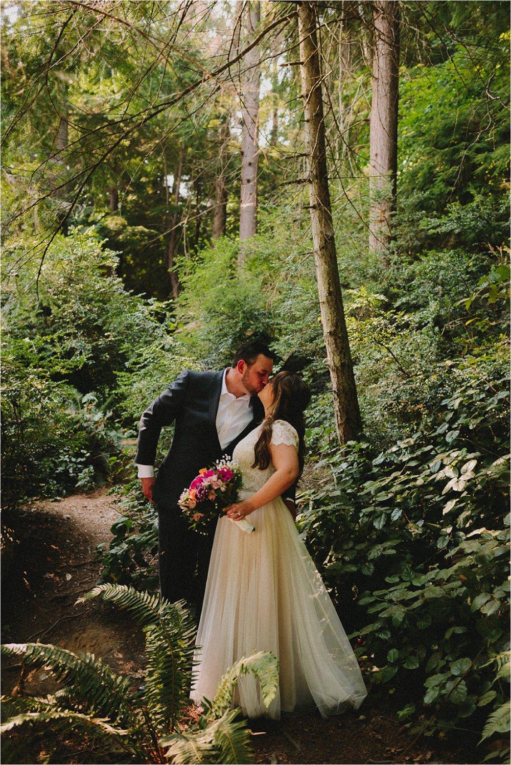 owen-beach-priest-point-park-tacoma-washington-elopement-jannicka-mayte-anchorage-alaska-wedding-elopement-photographer (27).jpg