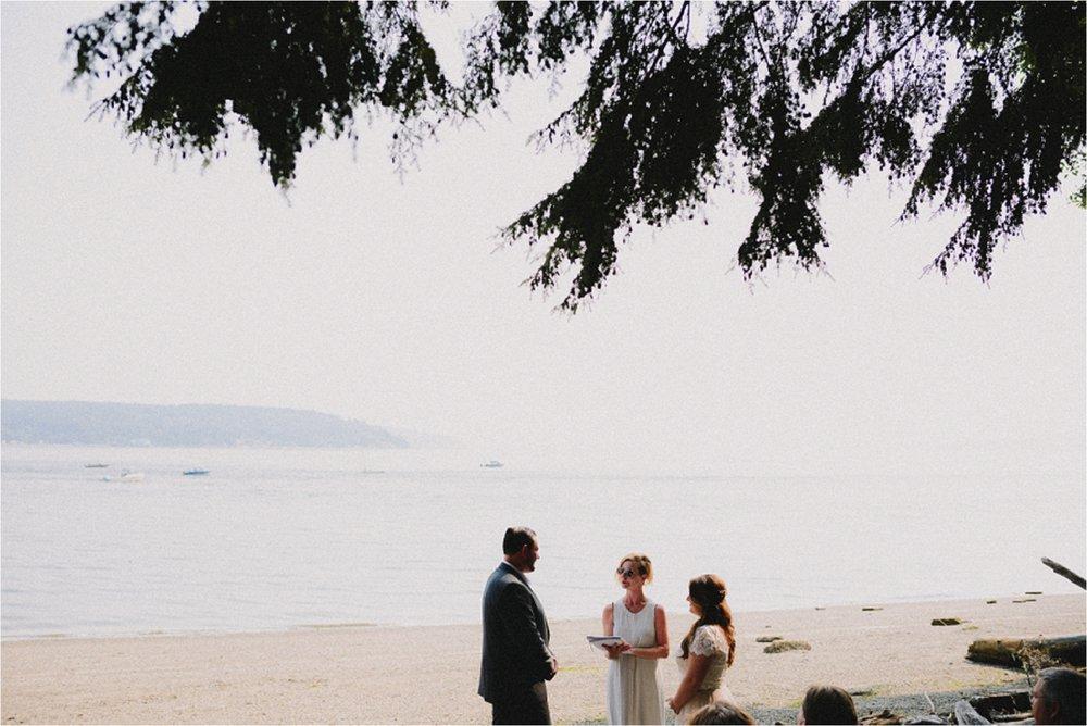 owen-beach-priest-point-park-tacoma-washington-elopement-jannicka-mayte-anchorage-alaska-wedding-elopement-photographer (36).jpg