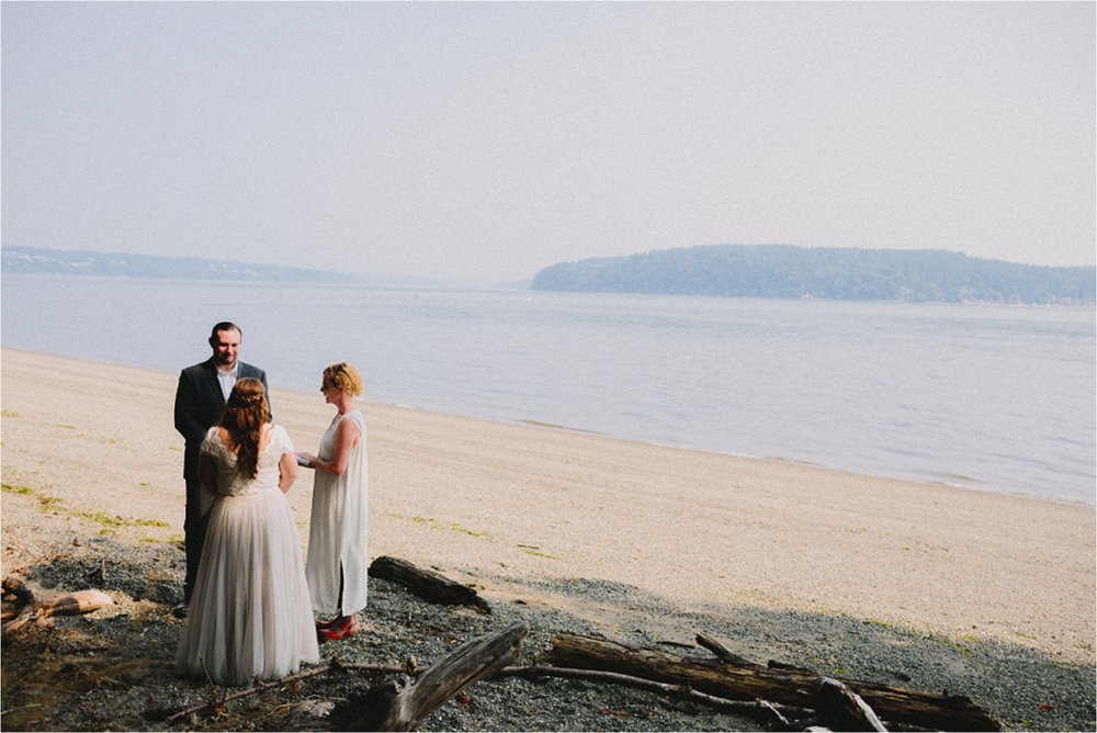 owen-beach-priest-point-park-tacoma-washington-elopement-jannicka-mayte-anchorage-alaska-wedding-elopement-photographer (39).jpg