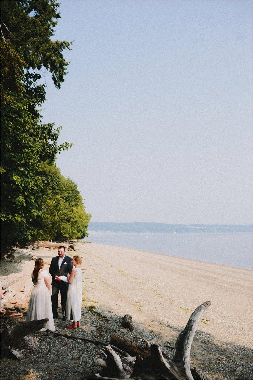 owen-beach-priest-point-park-tacoma-washington-elopement-jannicka-mayte-anchorage-alaska-wedding-elopement-photographer (41).jpg