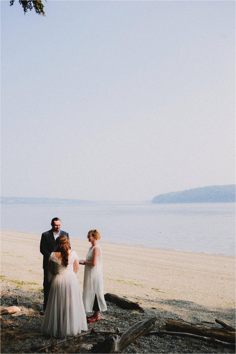 owen-beach-priest-point-park-tacoma-washington-elopement-jannicka-mayte-anchorage-alaska-wedding-elopement-photographer (40).jpg