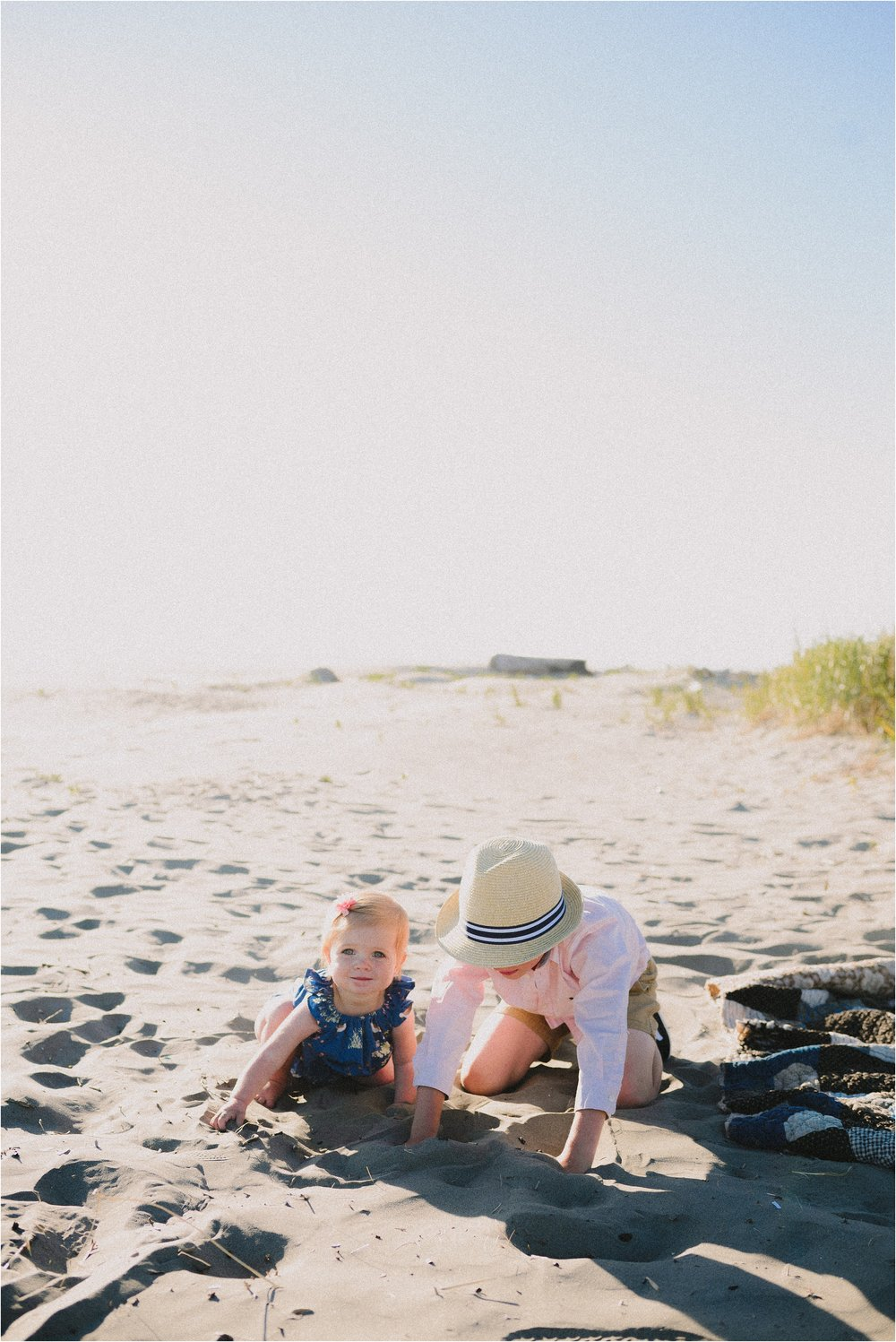 pacific-beach-washington-family-session-jannicka-mayte-anchorage-alaska-family-photographer_0002.jpg
