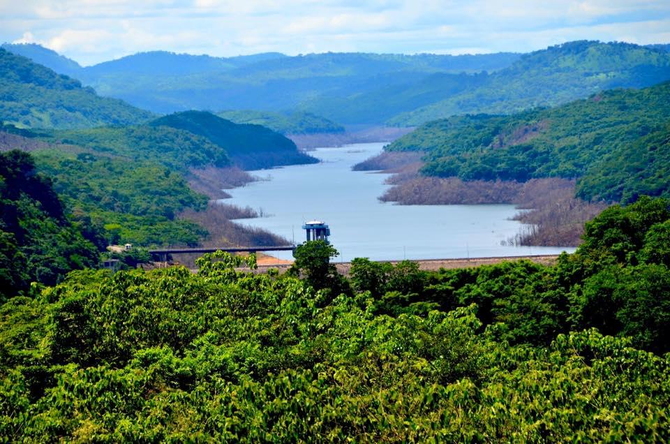 Lake Bombuna, Sierra Leone