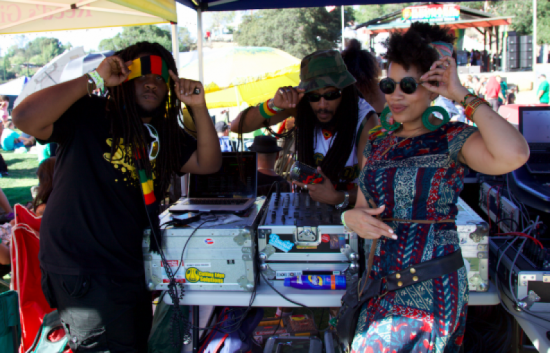 Kenya hanging with Jamaican Gold Sound @therealdjcrooks and @Q_bwoy. Photo cred @redgreenandblonde