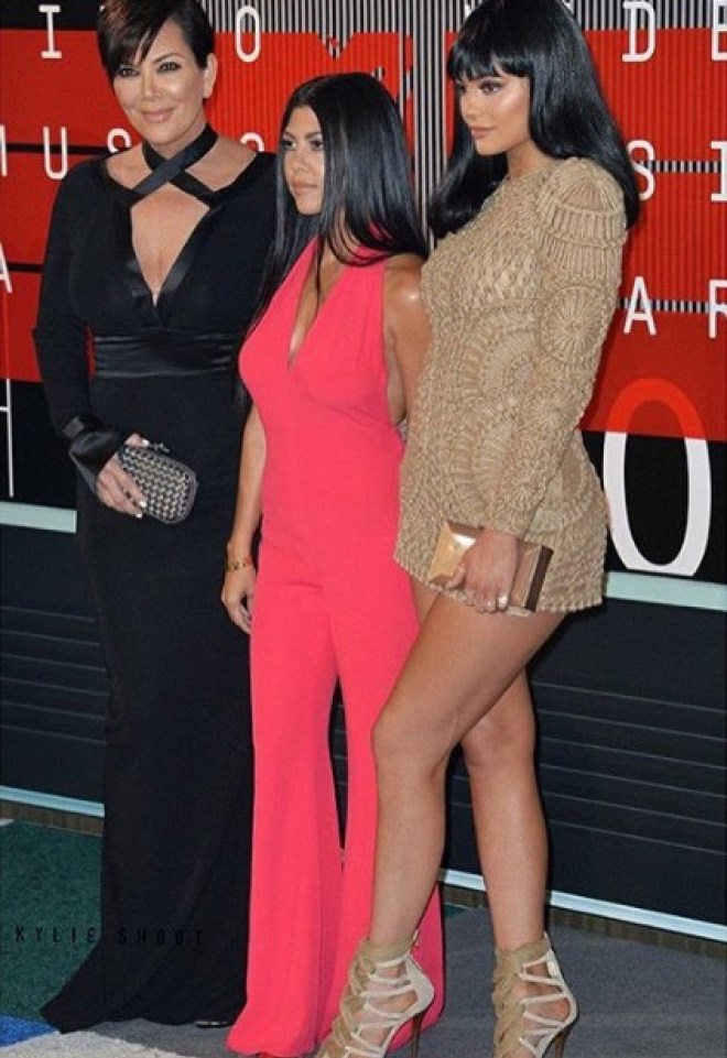 The Kardashian's were fully present for some Yeezus support @kyliejenner