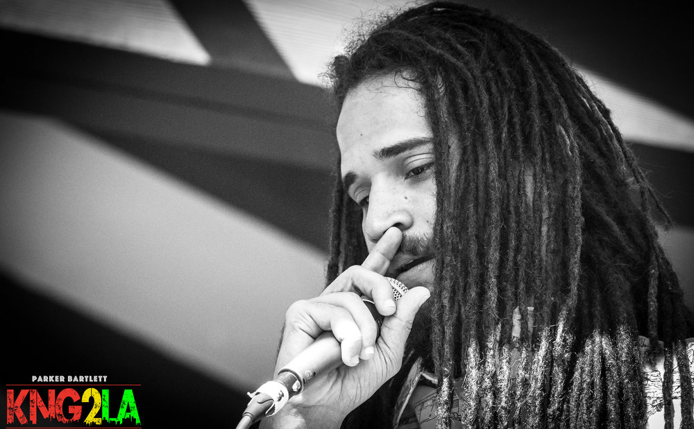 Keznamdi performing live at Reggae on the Mountain 2016.