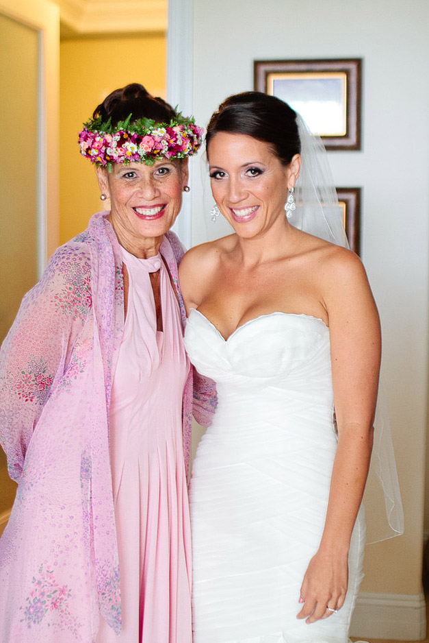 Bella Sophia Kailua Oahu Hawaii Glam Blush and White wedding Ashley Goodwin Photography beautiful Mother Daughter family wedding photo