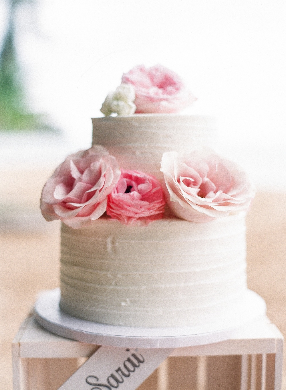 Pink and White flower wedding cake