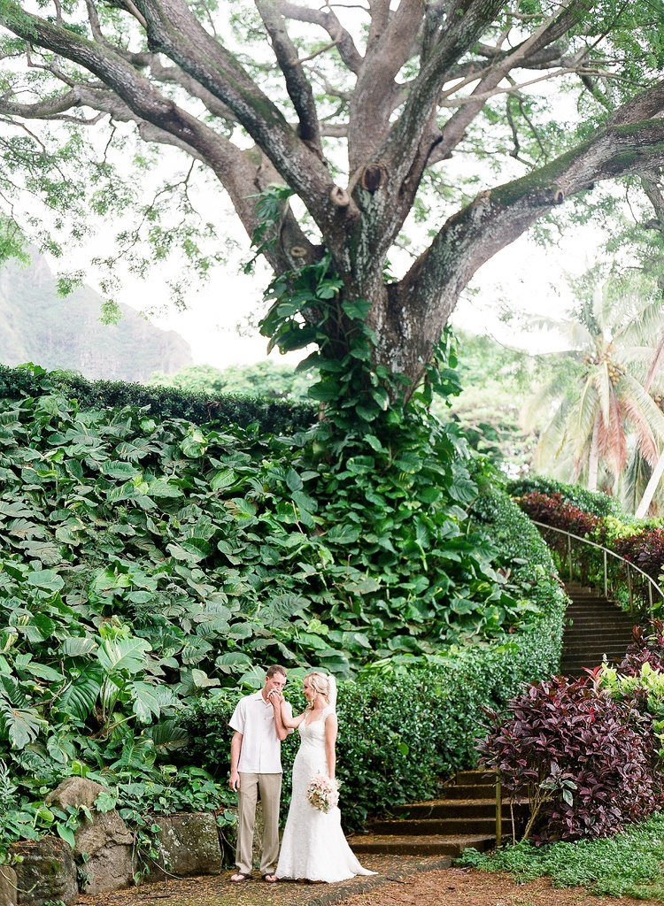 Sarai + Kyle at Kualoa Ranch | Oahu Photographer | Ashley Goodwin ...
