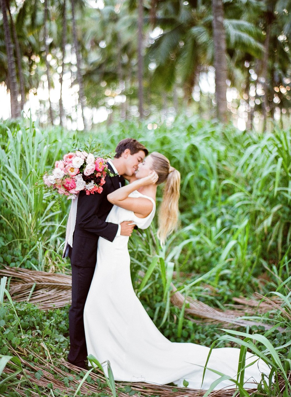 Modern Dillingham Ranch Honolulu Hawaii Wedding_0019.jpg